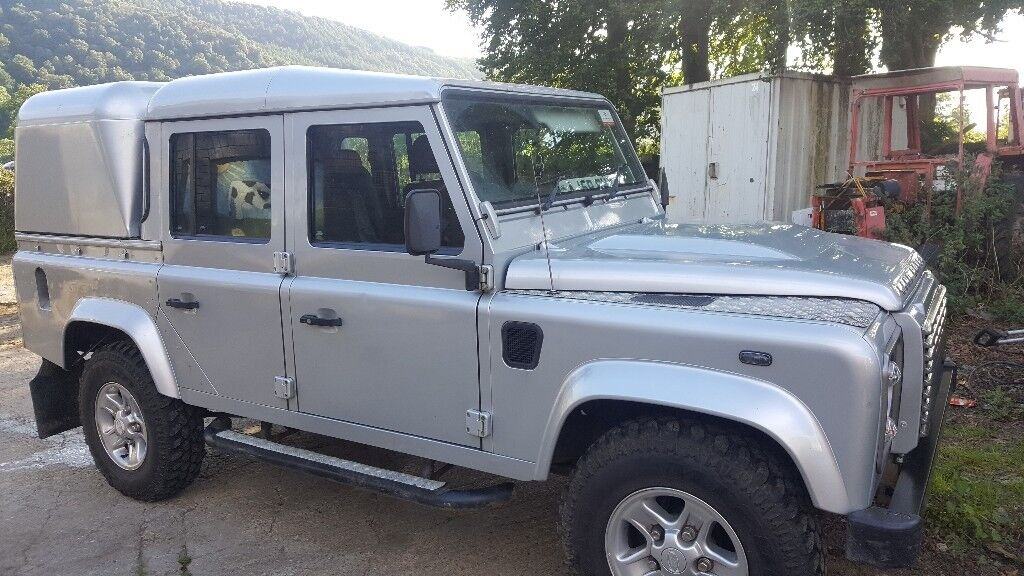Land Rover Defender 110 XS Double Cab