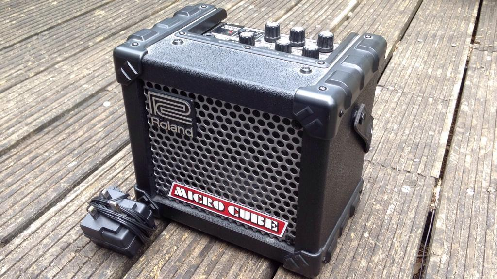 Roland Micro Cube N225 Cosm Guitar Amplifier Portable In