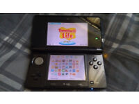 Nintendo 3DS with pre-installed games