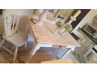 STUNNING CHUNKY SOLID PINE DINING TABLE.... WHITE WASHED TOP.... DRAWER TO FRONT
