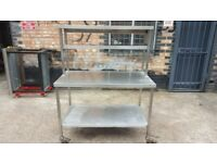 Stainless steel table with Heated Gantry,Commercial food warmer with chefs table