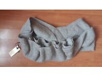 Brand New with Tags Ladies Womens Long Grey Winter Scarf Scarve Snood