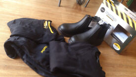 work wear, shoes, protective shoes, protective wear, size 7, black, brand new