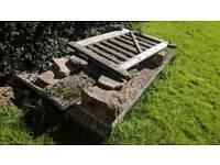 Textured coping/ concrete slabs 6: L2m x W60cm, 1: L2 x W30cm