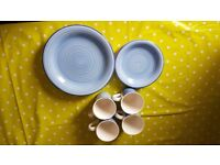Blue swirl crockery set