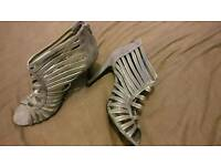 Ladies sandals size 6