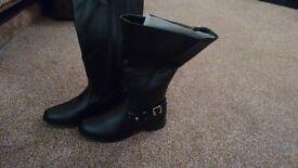 NEW Evans high leg boots size6EEE