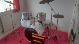 DW PDP Mainstage Rock Drum Kit   Zildjian L80 Cymbal Set   REMO Silentstroke Heads   New/Unplayed