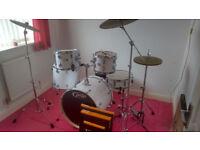 DW PDP Mainstage Rock Drum Kit | Zildjian L80 Cymbal Set | REMO Silentstroke Heads | New/Unplayed