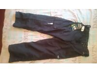 CHEAP!! BRAND NEW OCEAN and EARTH SKI TROUSERS/PANTS!! SIZE: M!!