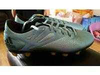 Adidas Messi football boots size 8.5