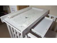 Cotbed changing table with changing mat