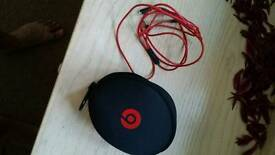 Mint condition for sale Beats SOLO 2 WIERLESS