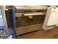 Gas Cooker with five burners BAUMATIC