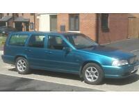Volvo V70 Estate 2.4 petrol car