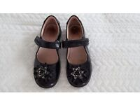Lelli Kelly black patent school shoes size 10 with detachable flower