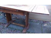 Art deco dining room table, Oak