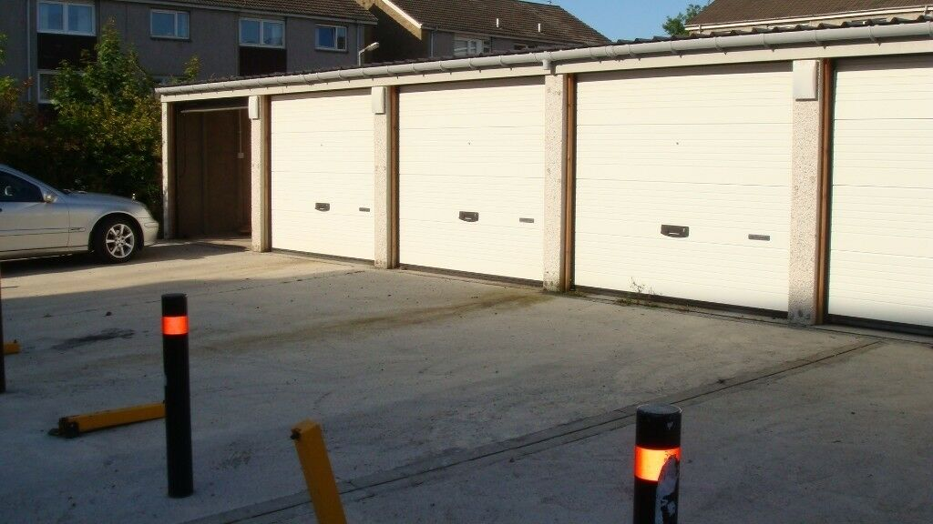 Rutherglen Garage With Tandem Parking Space In Burnside