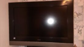 """Hitachi flat screen TV, 28"""" HD ready with remote. £60.00 please phone Martin on 07977 398019🎅🎅🎅"""
