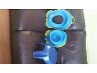 Matching potty and toilet seat with a blue step.