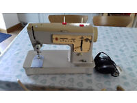 Singer Sewing Machine 457 for spares or repair