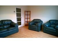 Spacious 3 bedroomed townhouse with garden, garage in cul-de-sac. Close to shops, public transport