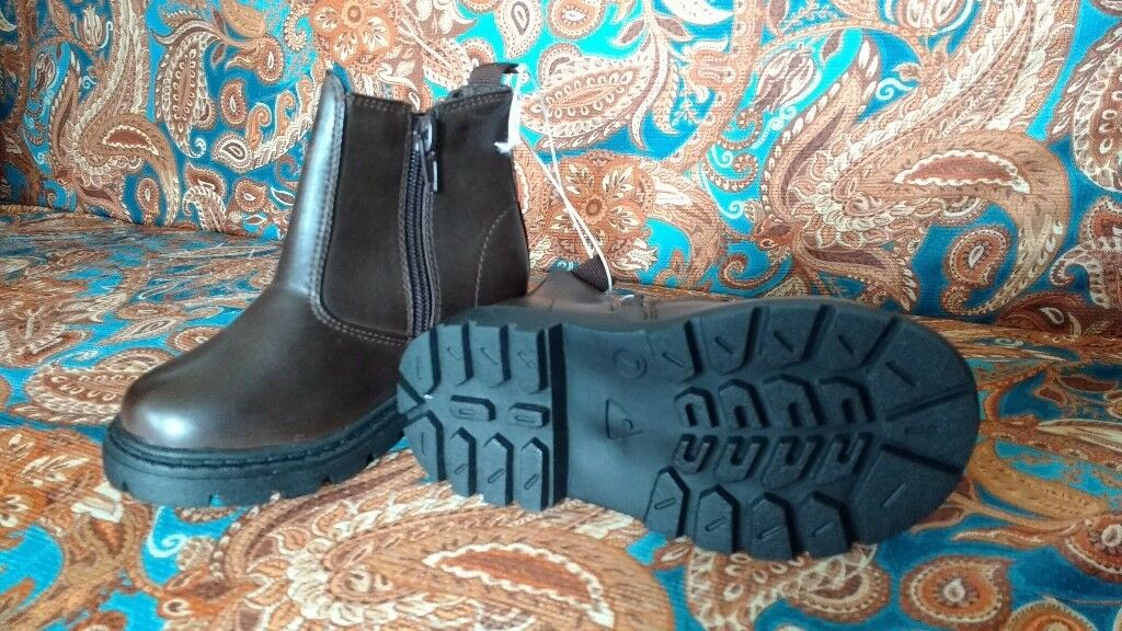 Brand new Boys shoes size 7
