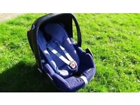 Maxi Cosi Pebble Plus car seat with new born insert and footmuff included