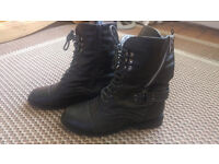 Ladies/Girls Combat, military style ankle boots size uk4