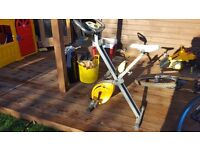 Golds gym excersise bike . Good condition fully working