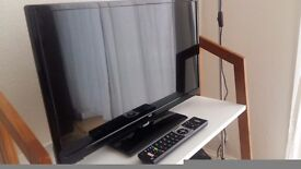 24 inch HD Smart TV + Indoor aerial antenna