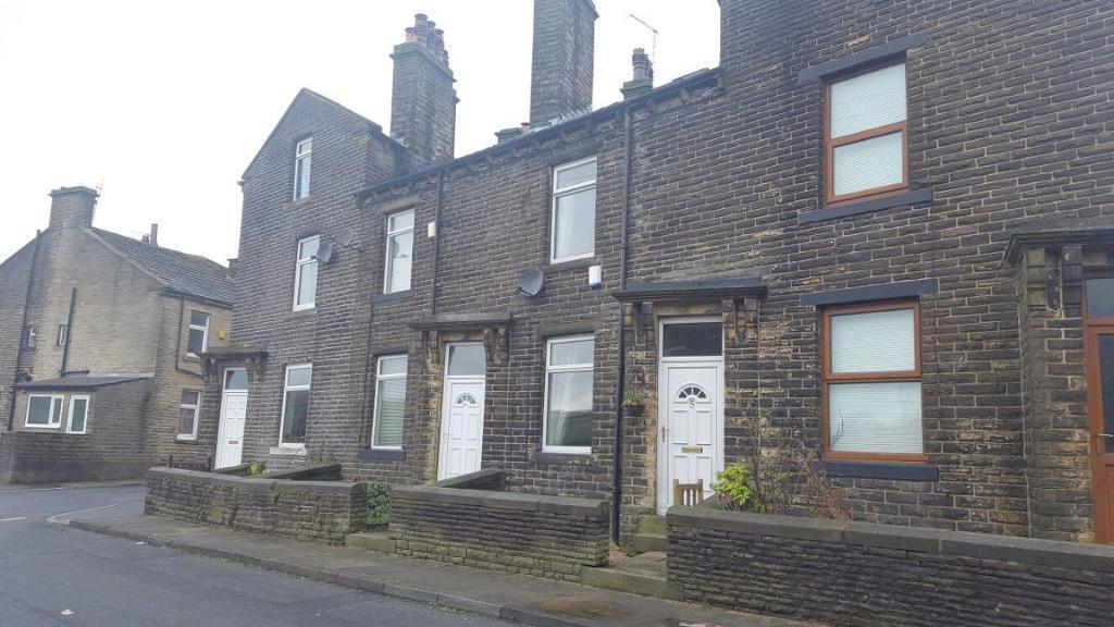 3 bedroom house in Stradmoore Road