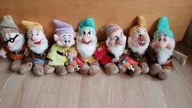 Disney store 11 inch 7 dwarfs plush toy
