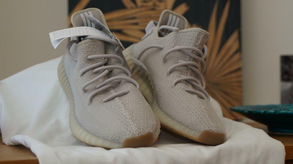 51e8ca38268867 Adidas Yeezy Boost 350 V2 Sesame (UK Size 10)