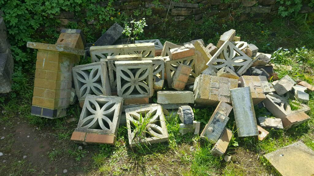 Garden slabs/bricks
