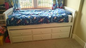 Single bed frame with trundle bed and storage drawers - white. WITH EXTRAS
