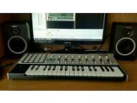Korg Micro Kontrol midi controller 37keys keyboard