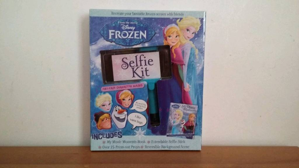 FROZEN Disney Selfie Stick Kit Gift Set.