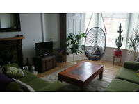 2 bed, bright and sunny Dennistoun flat to rent!