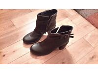 Brown leather ankle boots size 6 never worn so excellent condition