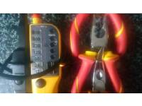 Continuety tester and plier set
