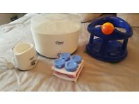 TOMMEE TIPPEE ELECTRIC STERILISER, BOTTLE WARMER AND SAFETY 1ST BATH SEAT