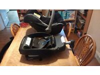 Maxi Cosi car seat with maxi Cosi easybase