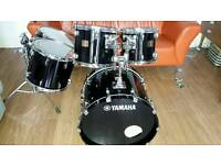 Yamaha Birch Custom Absolute Piano Black kit