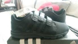 Boys 5.5 Adidas brandnew