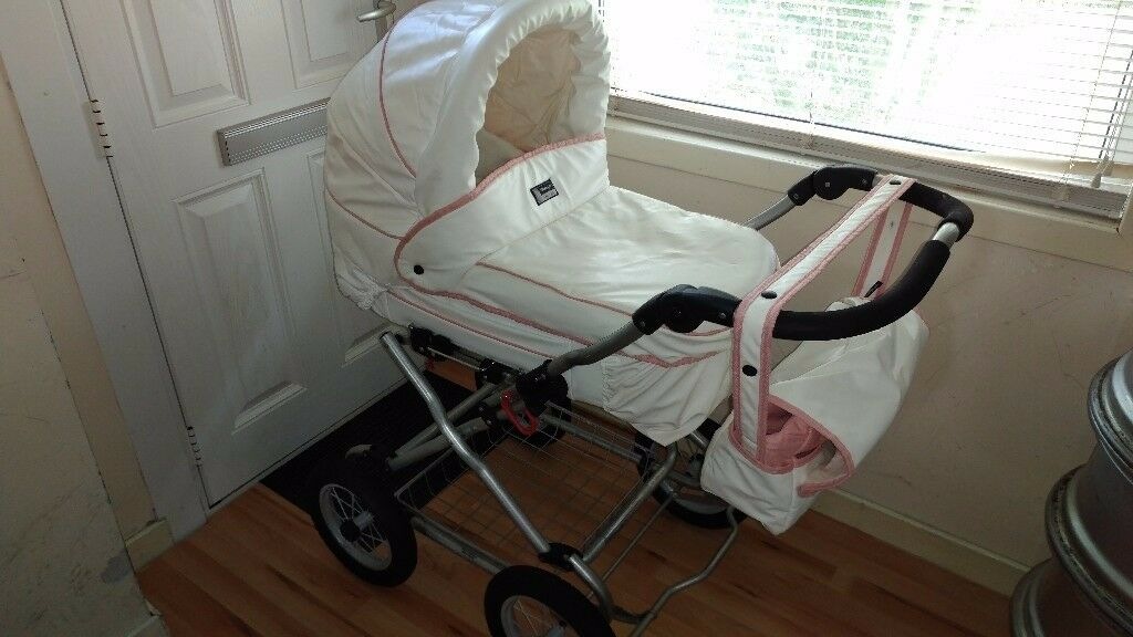 Ltd edition leatherette babystyle princess pram. Imacculate condition