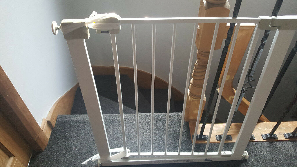Stair Gate Child Safety Gate Door For Controlling Toddler Access