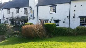 Experienced bar staff required for idyllic country inn near Newton Abbot