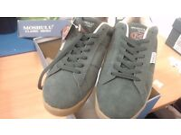 Dark green suede moshulu shoes size 44 - new in box # 8061