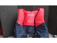 2 lifejackets